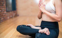 Abbigliamento yoga: cosa indossare durante il corso
